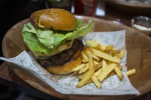 KuaAina burger8