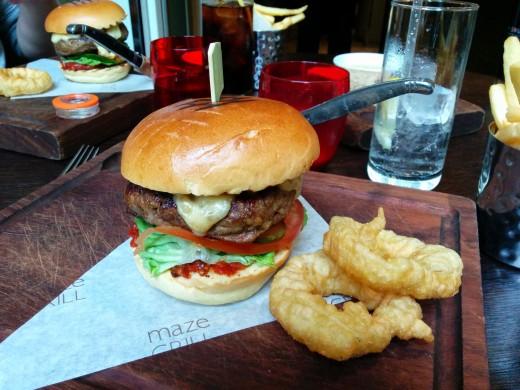 Maze Grill Burger5