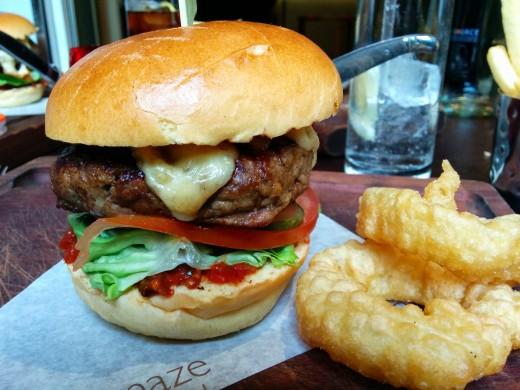 Maze Grill Burger6